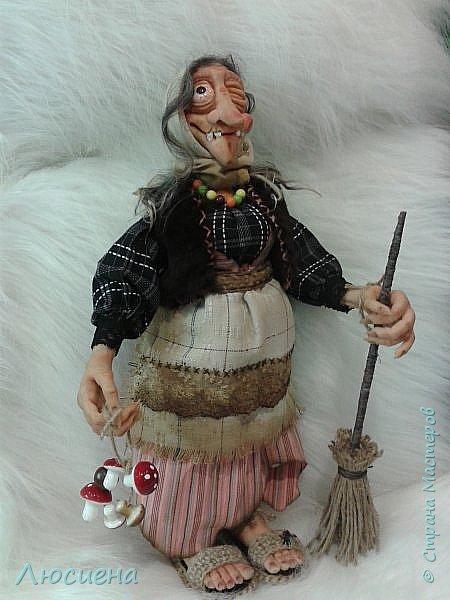 Интерьерная кукла ручной работы(запекаемая пластика и скульптурный текстиль) Бабка Ежка фото 5