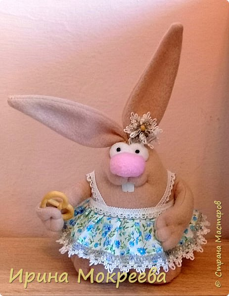 К пасхе решила сделать маленькие подарочки друзьям - пасхальных кроликов.А  вдохновили меня кролики Корнеевой Ольги https://stranamasterov.ru/node/747415?c=favorite фото 4