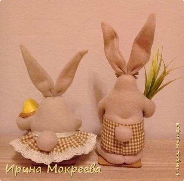 К пасхе решила сделать маленькие подарочки друзьям - пасхальных кроликов.А  вдохновили меня кролики Корнеевой Ольги http://stranamasterov.ru/node/747415?c=favorite фото 3