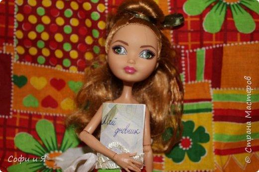Привет жители страны мастеров)))Давно меня здесь не было(((Но я вернулась(ура!!) И я сдаю работу на Конкурс Кукольная мода.Я сшила летнее(или весеннее) яркое платье...Ну что ж начнем!? фото 9