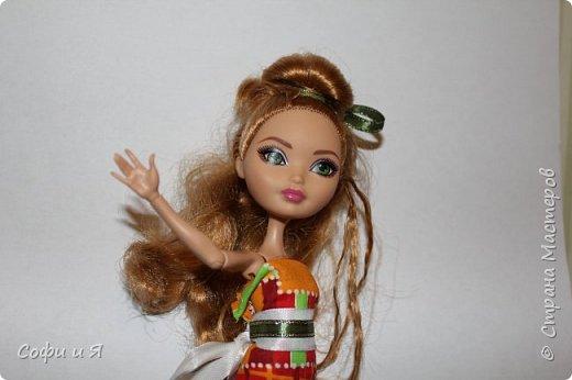Привет жители страны мастеров)))Давно меня здесь не было(((Но я вернулась(ура!!) И я сдаю работу на Конкурс Кукольная мода.Я сшила летнее(или весеннее) яркое платье...Ну что ж начнем!? фото 11