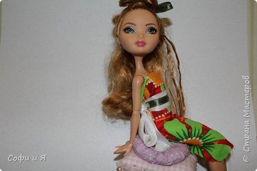 Привет жители страны мастеров)))Давно меня здесь не было(((Но я вернулась(ура!!) И я сдаю работу на Конкурс Кукольная мода.Я сшила летнее(или весеннее) яркое платье...Ну что ж начнем!? фото 14