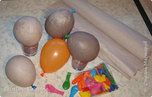 Такое яичко служит идеальной упаковкой для подарка к Светлому празднику Пасхи. Во внутрь можно положить крашеное яйцо, конфеты, печенье, маленькую пасочку, пасхальный сувенир - все зависит от вашей фантазии. Размер яйца примерно 14х10 см.  фото 2