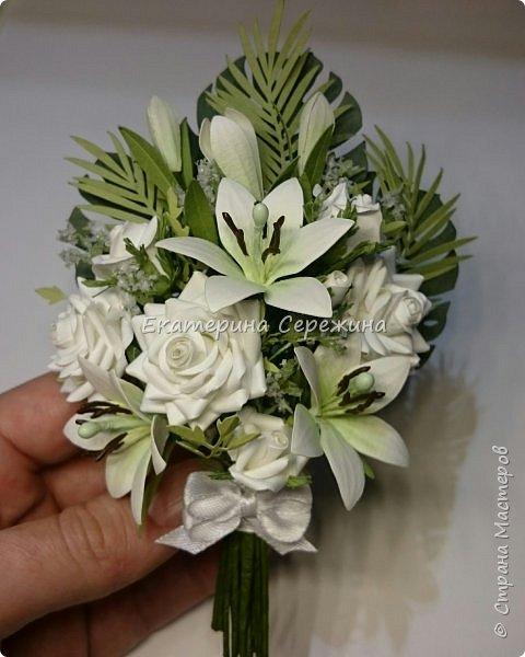 Добрый вечер, всем, всем, всем!!! В первый раз решила сделать не отдельные цветы, а собрать их в букет, что из этого вышло судить Вам... Это открытка-конверт на юбилей, размер 18 Х 12см фото 4