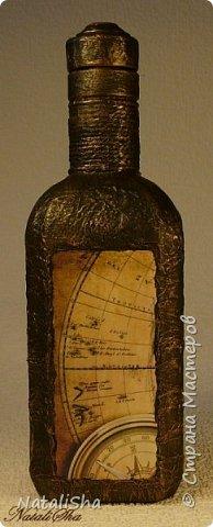 Бутылочка сделана в подарок моему дяде. Мой дядя большой учёный, весьма почтенного возраста, поэтому бутылка сдержанная, без ракушек и прочей морской атрибутики. фото 3