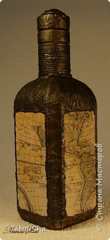 Бутылочка сделана в подарок моему дяде. Мой дядя большой учёный, весьма почтенного возраста, поэтому бутылка сдержанная, без ракушек и прочей морской атрибутики. фото 5