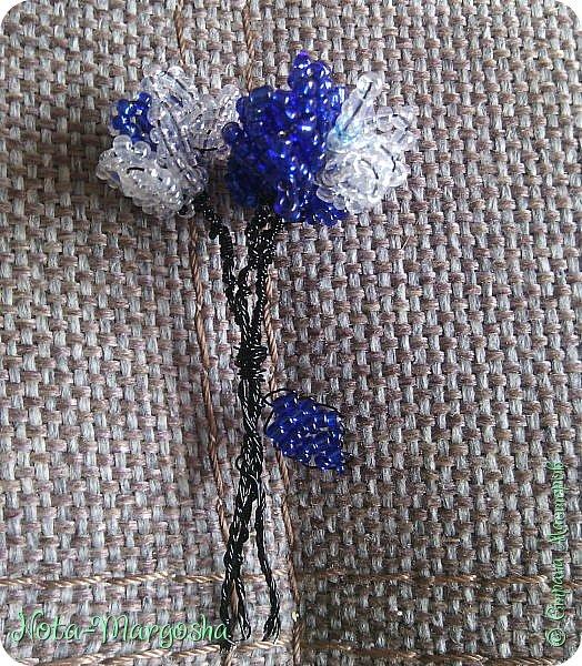 Букетик цветов в технике бисероплетение фото 4