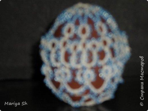 Здесь представлены несколько пасхальных яиц, украшенных техникой фриволите. фото 4
