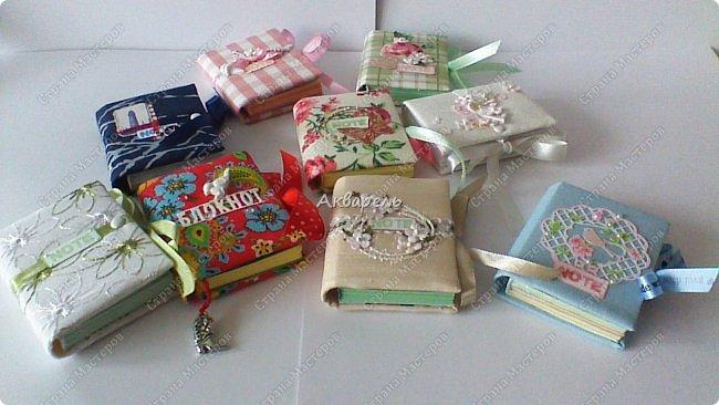 Еще сделала блокнотиков, чуть-чуть.... Блокноты маленькие, делать их удобно и не сложно.  фото 2