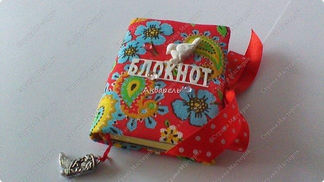 Еще сделала блокнотиков, чуть-чуть.... Блокноты маленькие, делать их удобно и не сложно.  фото 9