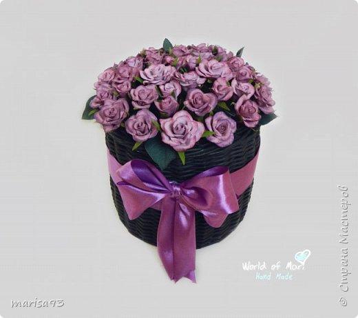 Сиреневые розы в черном цилиндре  фото 1
