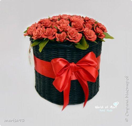 Красные розы в черном цилиндре. фото 3