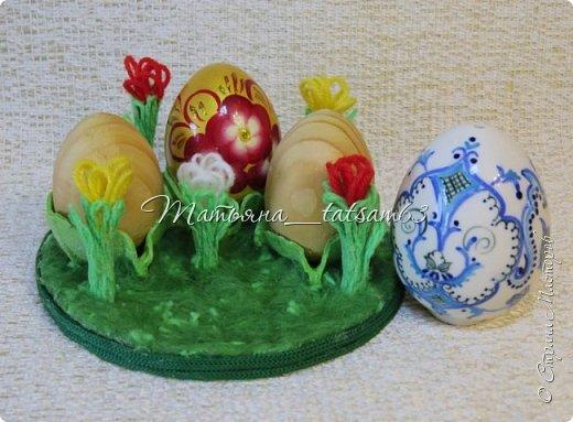 Скоро Пасха, поэтому хочу предложить вашему вниманию небольшую подставку для яиц.  Небольшую – чтобы можно было не только использовать на Пасху, но и потом хранить в ней сувенирные яички, деревянные или фарфоровые. фото 22