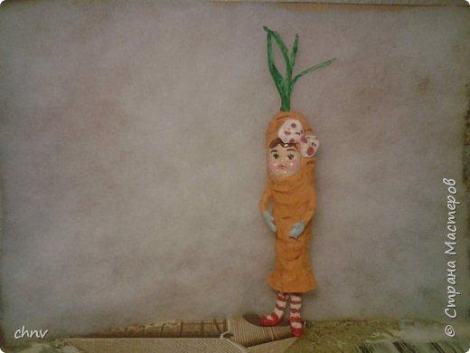 Всем привет! За окном еще снег лежит ,а у меня поспел урожай.Деревце конечно не то,но ничего повисим немножко.Сочная грушка,вместе с веточкой 11.5 см. фото 10