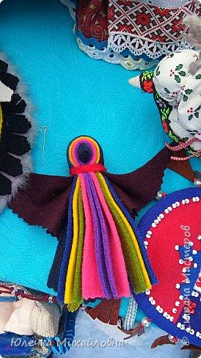 Вчера в нашей родной Югре был национальный праздник хантов - вороний день. Это праздник встречи весны. Счтается, что ворона одна из первых птиц прилетает в наши края и приносит на своём хвосте весну. По этому случаю в национальном центре были праздничные гуляния, на которых нам посчастливилось побывать. фото 12