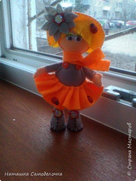 всем привет,вот такие куколки родились,сами куклы и одежда из мягкого,волосы из жесткого фетра,спасибо за внимание))) фото 7