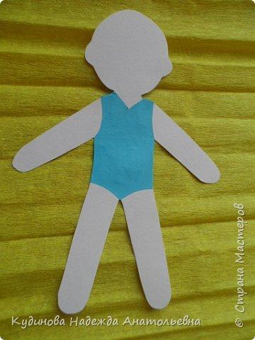 """Добрый день всем-всем!!! С удовольствием принимаю участие в таком замечательном проекте. Сразу вспомнилось детство, как с сестрами рисовали бумажных кукол, """"шили"""" им разные наряды из цветной бумаги, из фантиков. Захотелось смастерить простую девчушку с конопушками, и вот результат перед вами. фото 3"""