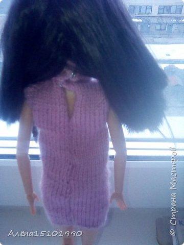 Всем привет. Моя дочка Лиличка давно просила сделать качельку для её маленьких куколок. Я решила сделать подобие садовых качелек, чтоб качаться могли и детки и взрослые. Так как Эля уехала отдыхать-мне помогала Лора. Я ей связала платье. фото 2