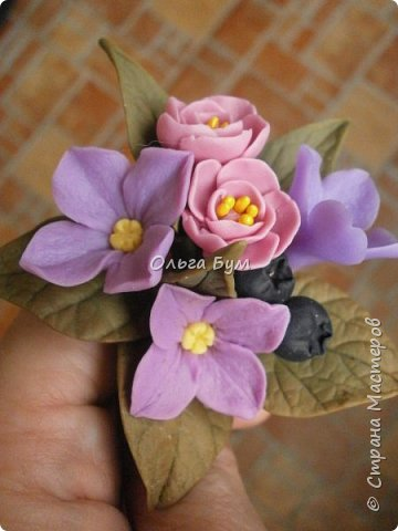 Бутоньерка с сиреневыми цветочками фото 7
