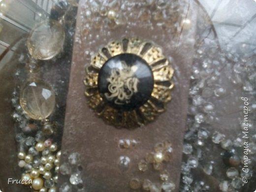 Псевдожемчуг, старая, поломанная десять лет назад брошь, пластмассовые бусины, огрызок пластикового ожерелья фото 2