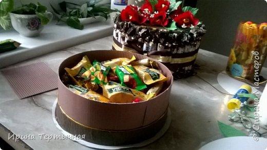 Заказ на юбилей. Дополнение к подарку. Внутри цветов конфеты, Бока - тоже фото 3