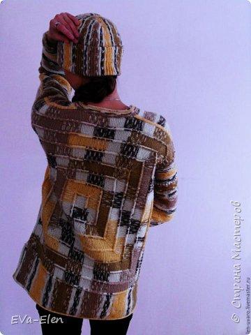 Пуловер из турецкого акрила с шерстью секционно короткой окраски. Пряжа объемная, CRAZY COLOR YARNART: 35% шерсть, 65% акрил. В комплекте с шапочкой, вязаной крючком, и манишкой, вязаной спицами, получается отличный теплый комплект. Весенним прохладным днем меховая жилетка сверху составит отличный ансамбль, позволит вам не одевать куртку и выглядеть нарядно и ярко. Рекомендации по уходу: Стирка при 40 градусах в нормальном режиме. Не гладить! Химчистка кроме трихлорэтилена. Отжим в машине разрешен. не отбеливать! сушка в растянутом виде. Связан на основе  пледа в 10 петель. фото 3