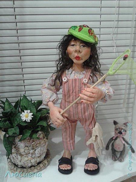 "Портретная кукла на заказ (смешанная техника -запекаемая пластика и  скульптурный текстиль) рост 45 см. ""Дачница Наташа"" фото 4"