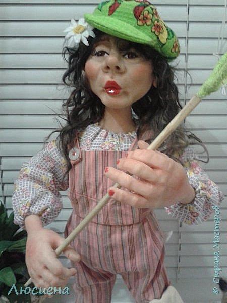 "Портретная кукла на заказ (смешанная техника -запекаемая пластика и  скульптурный текстиль) рост 45 см. ""Дачница Наташа"" фото 8"