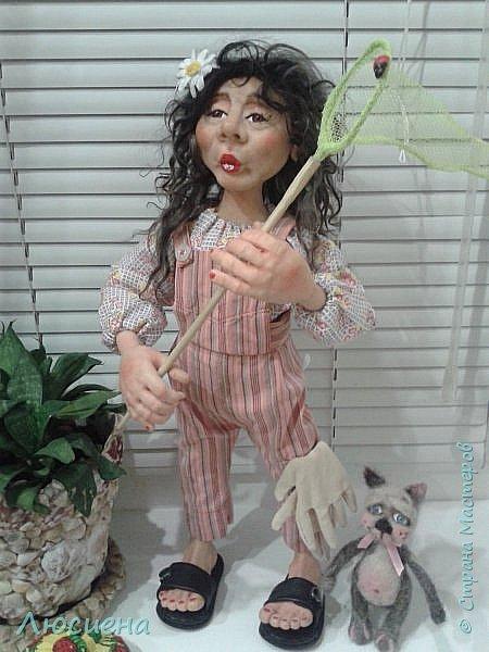 "Портретная кукла на заказ (смешанная техника -запекаемая пластика и  скульптурный текстиль) рост 45 см. ""Дачница Наташа"" фото 9"