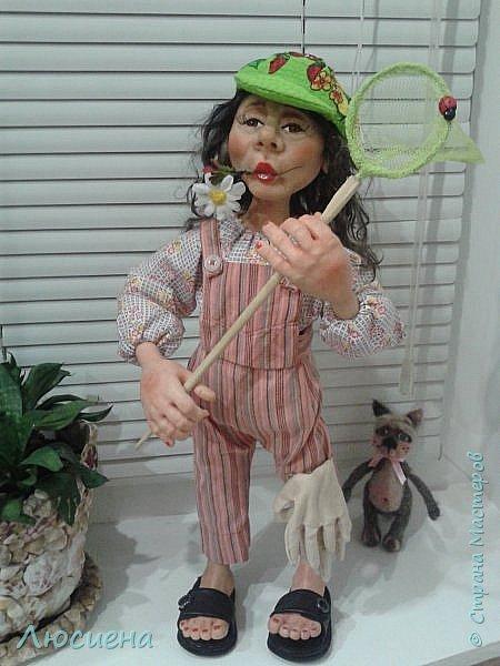 "Портретная кукла на заказ (смешанная техника -запекаемая пластика и  скульптурный текстиль) рост 45 см. ""Дачница Наташа"" фото 2"