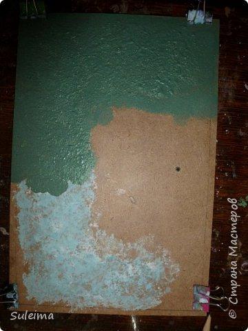 Приветствую всех жителей страны мастеров на моем мастер-классе, по созданию вот такой механической птички.... Нам понадобится рамка с декорируемой поверхностью, картон простой, картон гофрированный, клей титан, момент или резиновый № 88. Клей на водной основе не использую, он размачивает картон, что приводит к деформации изделия.... фото 5