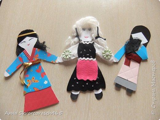 Три девицы из разных стран  фото 1
