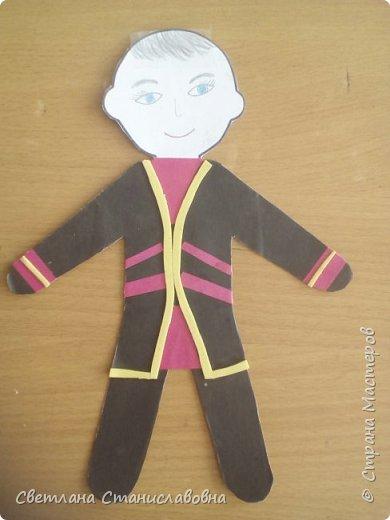 Для арт-проекта мы с учениками 1 класса выполнили фигурки детей. фото 6