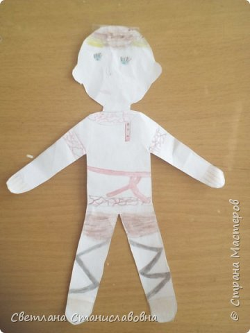 Для арт-проекта мы с учениками 1 класса выполнили фигурки детей. фото 21