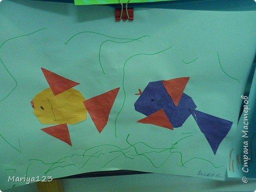 Добрый вечер всем-всем! На занятии по аппликации учились с ребятами вырезать из квадрата круг, из прямоугольника овал, умения свои закрепили в аппликации рыбки. фото 4