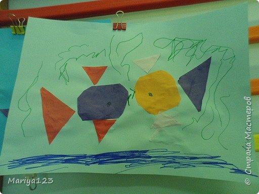 Добрый вечер всем-всем! На занятии по аппликации учились с ребятами вырезать из квадрата круг, из прямоугольника овал, умения свои закрепили в аппликации рыбки. фото 6