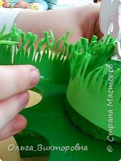 Совсем скоро светлый праздник Пасхи, и каждому хочется иметь красивую, оригинальную подставку для яиц. Желающие заняться декором собрались на мастер-класс.  фото 11