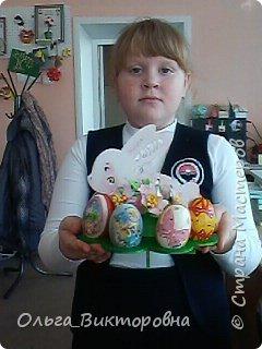 Совсем скоро светлый праздник Пасхи, и каждому хочется иметь красивую, оригинальную подставку для яиц. Желающие заняться декором собрались на мастер-класс.  фото 20