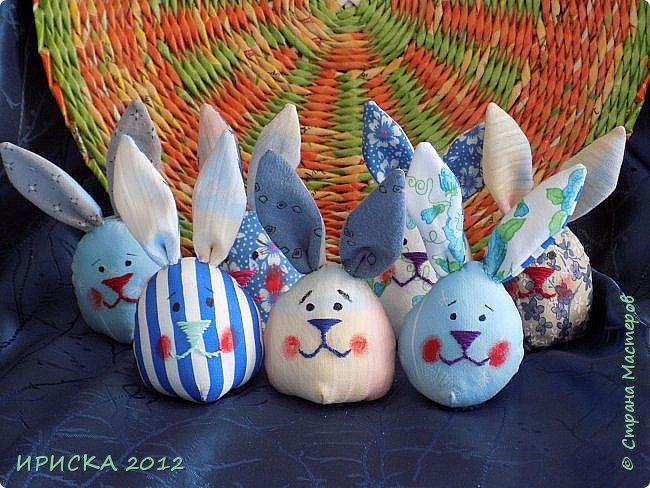 Приветствую всех гостей моей странички!!! Поздравляю с наступающим светлым праздником Пасхи!!! Желаю здоровья, уюта, душевного тепла и благополучия!!! Я сегодня к вам с компанией зайчиков, курочкой и маленькими корзинками. фото 22