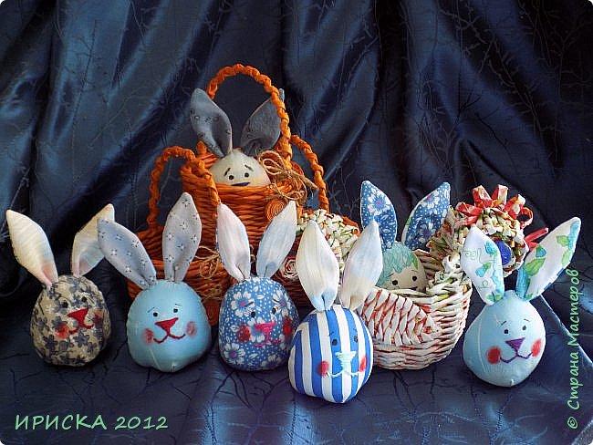 Приветствую всех гостей моей странички!!! Поздравляю с наступающим светлым праздником Пасхи!!! Желаю здоровья, уюта, душевного тепла и благополучия!!! Я сегодня к вам с компанией зайчиков, курочкой и маленькими корзинками. фото 3