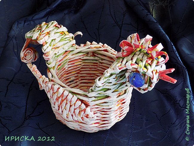 Приветствую всех гостей моей странички!!! Поздравляю с наступающим светлым праздником Пасхи!!! Желаю здоровья, уюта, душевного тепла и благополучия!!! Я сегодня к вам с компанией зайчиков, курочкой и маленькими корзинками. фото 7