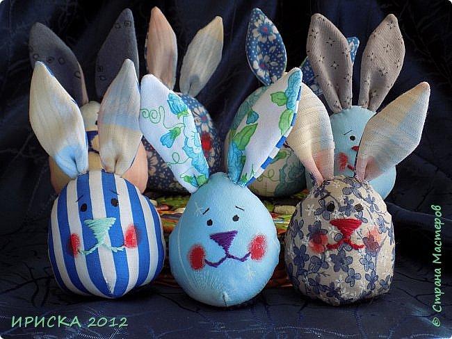 Приветствую всех гостей моей странички!!! Поздравляю с наступающим светлым праздником Пасхи!!! Желаю здоровья, уюта, душевного тепла и благополучия!!! Я сегодня к вам с компанией зайчиков, курочкой и маленькими корзинками. фото 26