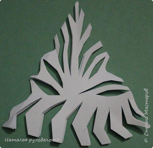 Добрый день, Страна Мастеров!  Зимой к Новому году делала вместе с детьми снежинки, которые потом украсили наш потолок.  Фотографии сделала со схемками, может быть кому-нибудь пригодится.  Снежинка №1 фото 6