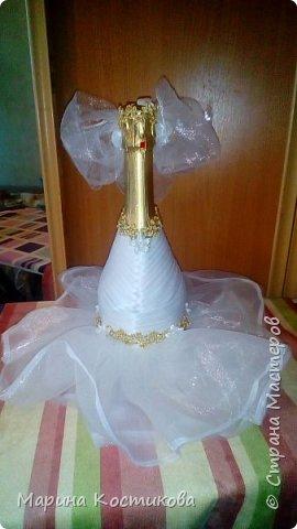 Скоро свадьба у брата. Вот такие бутылочки подготовили на стол фото 3