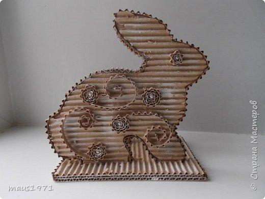 Увидела в Стране подставку для салфеток в виде зайца. http://stranamasterov.ru/node/1020257?c=favorite Решила сделать на Пасху курочку. Это одна сторона. фото 5