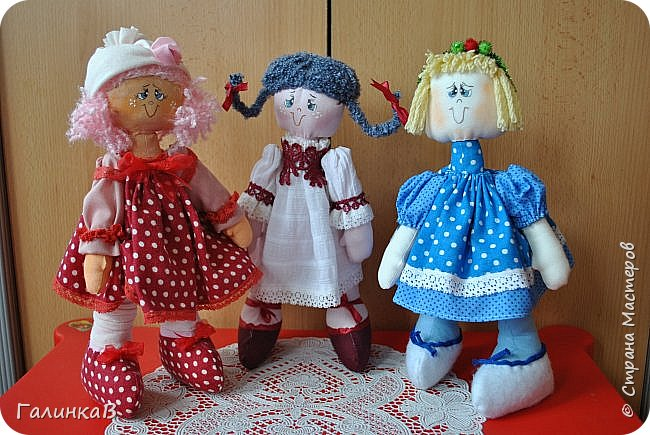 Три подружки: Полинка, Татьянка и Мариша. Все по одной выкройке. фото 1
