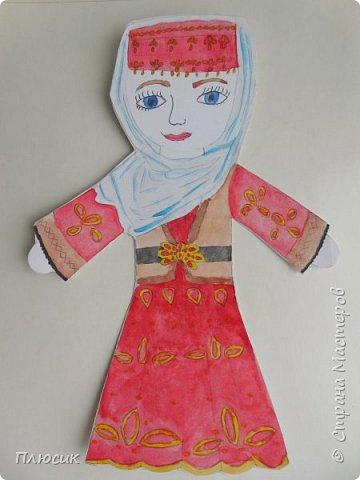 Азербайджанский национальный костюм. Александра очень аккуратно и старательно вырисовывала все детали костюма. фото 3
