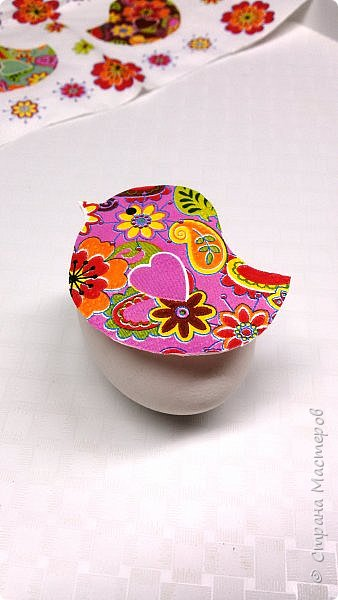 Всем доброго времени суток! Вчера был Чистый Четверг, и по традиции, нужно было красить яйца. В этом году я решила разнообразить традиционные яйца с яйцами в технике декупаж.  фото 4
