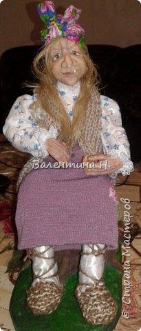 Вот такая бабулечка- Ягулечка появилась у меня пару дней назад из керапласта))) Лицо лепила в один день с этой куклехой http://stranamasterov.ru/node/1090520   фото 1