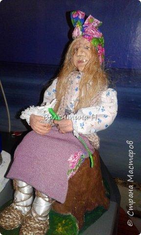 Вот такая бабулечка- Ягулечка появилась у меня пару дней назад из керапласта))) Лицо лепила в один день с этой куклехой http://stranamasterov.ru/node/1090520   фото 2
